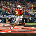 Ezekiel Elliott is no stranger to the end zone in Dallas. He won the national championship in Arlington in 2015. https://t.co/m419o95s8i