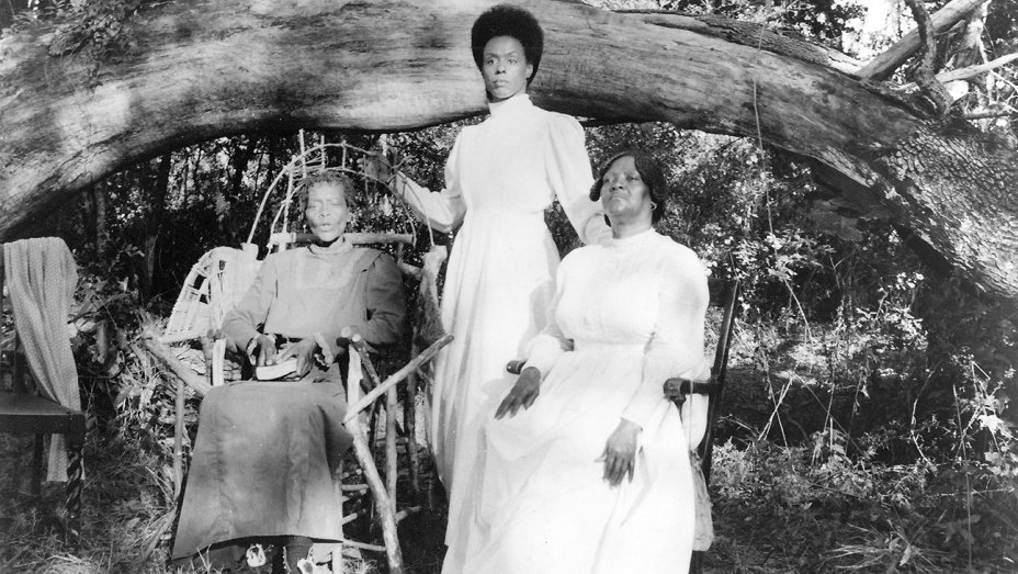 'Daughters of the Dust,' Film Inspiration for Beyonce's 'Lemonade,' Returning to Theaters https://t.co/OfVIJsOQVR https://t.co/xn6iU2LthC