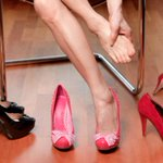 #Trucos Así dejarás de sufrir por tus zapatos apretados https://t.co/5hLOYultzq https://t.co/Fz7BcMKYkS