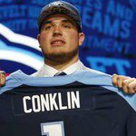 #Titans trade up, pick Jack Conklin with 8th pick https://t.co/w3q6ndHqST https://t.co/oUy8gXsWFc