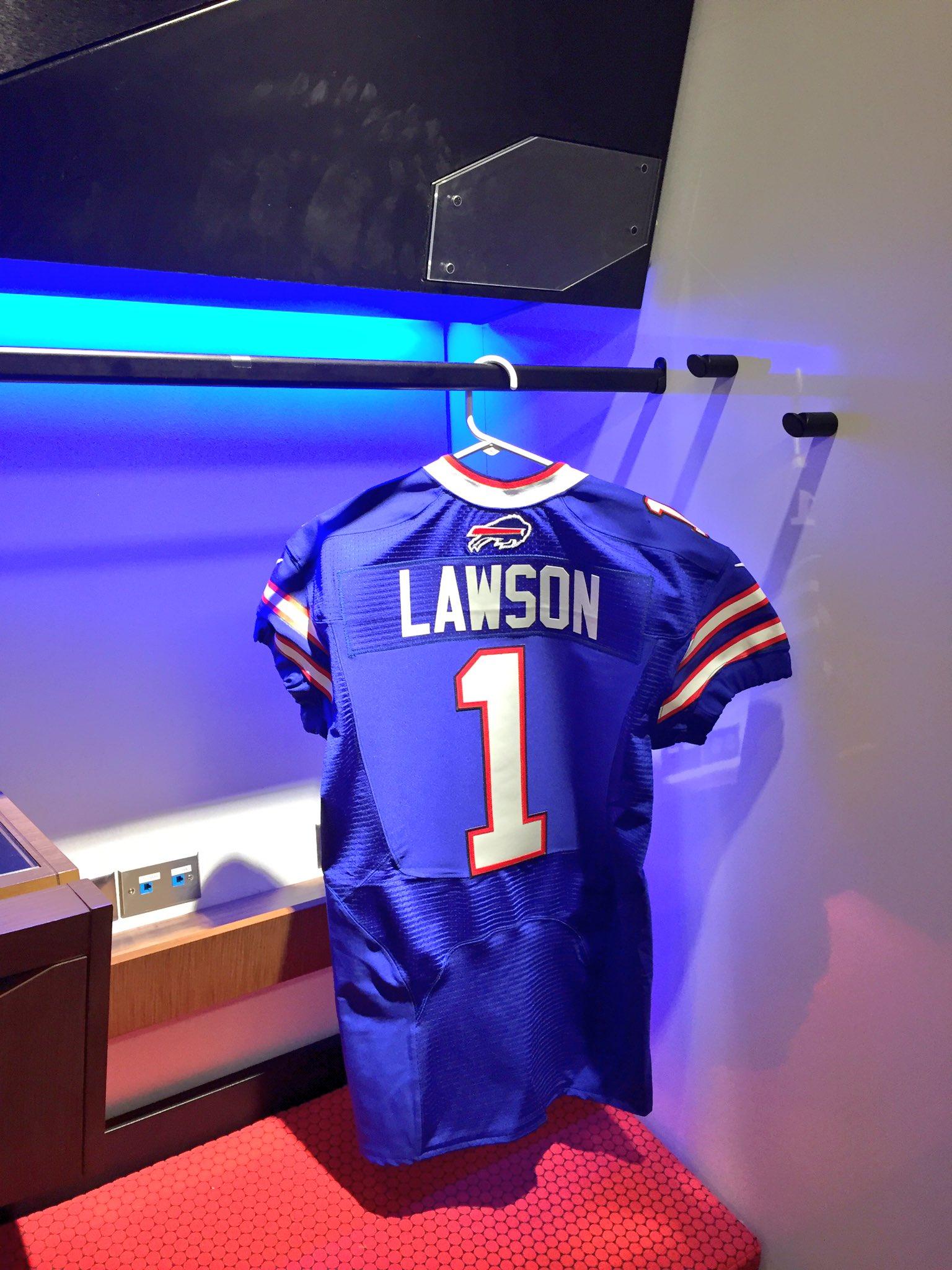 Welcome to Buffalo @Shaq_Lawson90 Go #Bills https://t.co/mfBP2cb9Gw