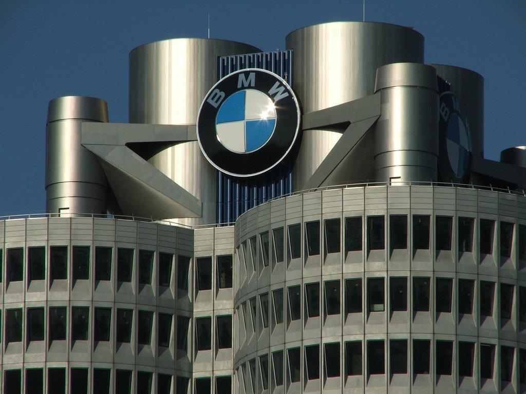 Companies based in state of Bavaria, Germany:  - Allianz - Adidas - Audi - BMW - Puma - Siemens https://t.co/KUhwyRfbgw