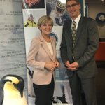 Our CEO catches up with @JulieBishopMP during #DipCorpsTas2016 at @AusAntarctic HQ in Hobart ❄️ https://t.co/xqNezczbE1