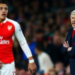 """Charlie Nicholas thinks its time for Wenger to go - but wants """"dignity"""" from Arsenal fans: https://t.co/UcZvp2OrPX https://t.co/iE64r201fS"""
