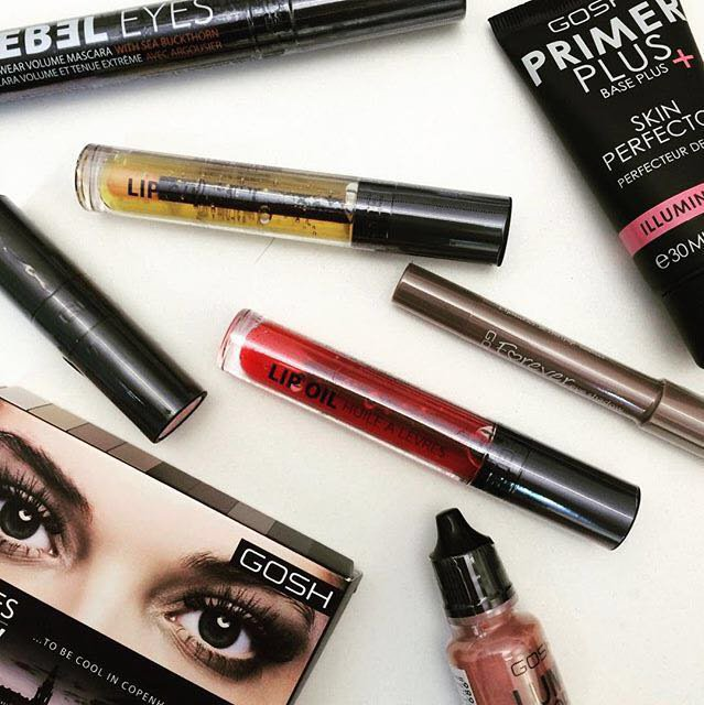 It's #FreebieFriday! RETWEET for the chance to win a full SS16 cosmetics set. Winner announced 3rd May, GOOD LUCK! https://t.co/2xk2TMYhGn