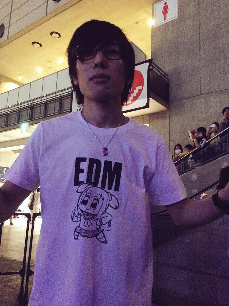 八王子が着てたTシャツがニコニコ超会議で一番ヤバかった https://t.co/aaCE4MU6BZ