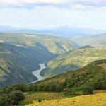 #Galicia todo lo que quieres. Un lugar de ensueño en un paisaje de cuento. Tu destino @GaliciaMaxica @RibeiraSacra_ https://t.co/s8x7oit611