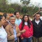 Un grupo de diputados y activistas nos acercamos a Ramo Verde para felicitar a nuestro hermano Leopoldo Lopez https://t.co/6yNj0xA6m0