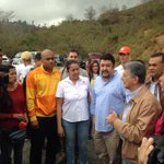 El presidente de la AN @hramosallup junto a un grupo de diputados en Ramo Verde https://t.co/xe1jiteYZ6