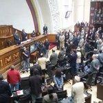 Ramos Allup: Banco de Venezuela bloqueó pago de obreros de la AN https://t.co/QgOiTffy5O https://t.co/Xu5VKuekD6