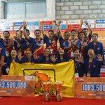 Selamat untuk Universitas Negeri Yogyakarta! kawinkan gelar juara CJYC @ligamahasiswa #LIMABadminton! Awesome!!! 👏👏👏 https://t.co/FEqjYo8N4N