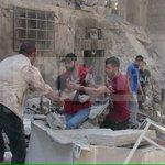 خلال ٤٨ ساعة قتل السفاحان #الأسد وبوتين ١٧١ #سوريا، منهم ٣٠ طفلا وسيدة، وكان نصيب #حلب وحدها ٩٦ شهيدا. #حلب_تحترق https://t.co/BmkrYyPMK9
