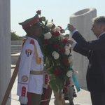 """Canciller de #ReinoUnido coloca Ofrenda Floral ante el Monumento al Héroe Nacional """"José Martí"""" #Cuba https://t.co/8oQEfCywEA"""