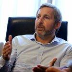 """Frigerio afirma que los empresarios están pensando en """"adelantar despidos"""" https://t.co/oKn02bvwvY https://t.co/p9t88WOcw6"""