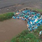 Drainages blocked....then we blame Chinese for #NairobiFloods https://t.co/XfTpOtmCN9