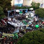 Multitudinaria marcha de los sindicatos contra los despidos de Macri https://t.co/m9MyY8twIo https://t.co/mC2b9yuCy2