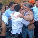 Ya @hramosallup llegó a Ramo Verde con la planilla del revocatorio para que Leopoldo la firme #ArribaVenezuela???????? https://t.co/TThCUdtS3w