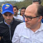 Ya estamos acá en Ramo Verde junto a @hcapriles, en minutos esperamos ver a @leopoldolopez https://t.co/atJeOm7HOs
