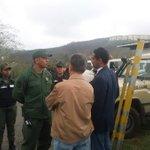Niegan permiso a Capriles y diputados de oposición a entrar a Ramo Verde a ver a… https://t.co/fdeXKfejBn https://t.co/RlBlJoK7hg