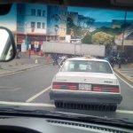 Que estarán sacando de Miraflores en este momento en este camión que va custodiado por dos X1 sin placas https://t.co/rYBE1dfaIK