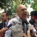 .@ChuoTorrealba tras agresión sufrida en Caracas: Estoy bien, ni me despeinaron https://t.co/TpSV8LXB7U #29Abr https://t.co/DAtw44g5bV