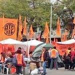 #Ahora #Mendoza @ate_mendoza acampa en la legislatura , el #1demayo es de los trabajadores y no de los gobiernos https://t.co/qwdEndepSG