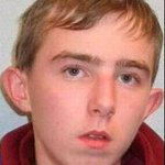 Gardai are appealing finding missing 17-yr-old Christopher Palmer from Cork.Anyone with info contact Macroom Station https://t.co/u5QmSr9OQC