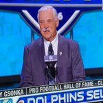 Pro football Hall of Famer and Cuse great Larry Csonka at the draft announcing the Dolphins pick. #Respect ✊🏾🍊🍊🍊 https://t.co/4j5HjW1wMC