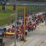 Marea roja recibe a Nicolas Maduro en Merida... NICOLAS ¿CUAL PUEBLO? @NicolasMaduro https://t.co/NOSi6q1CZj