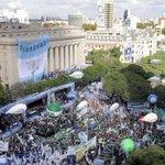 Con solo 16 días de diferencia hubo dos masivas movilizaciones contra el gobierno: CFK el 13/4 y hoy el sindicalismo https://t.co/FWmDg0mrNw