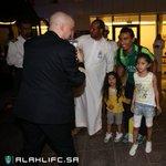 وصلت الأن بعثة الفريق الكروي الأول إلى مطار جدة بعد تأهل الفريق إلى نهائي كأس خادم الحرمين الشريفين. #AHLIFC https://t.co/eJzb1fPVVr