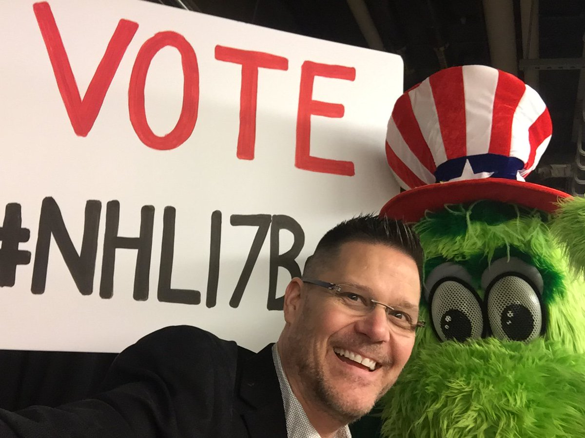 Don't forget to VOTE #NHL17Benn tonight!