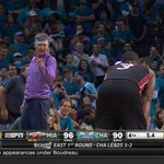 D-Wade staring down that purple shirt Hornets fan after taking over >>> https://t.co/HVEMKvkhqR
