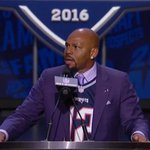 """""""With the 78th pick in the 2016 NFL Draft, the New England #Patriots & Tom Brady select..."""" https://t.co/pVved7EOrY https://t.co/9nxqfRP9ik"""