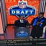Former #Gators DL Carlos Dunlap, in cap and gown, participates in UF commencement at #NFLDraft2016 https://t.co/mIAH8gTHEq
