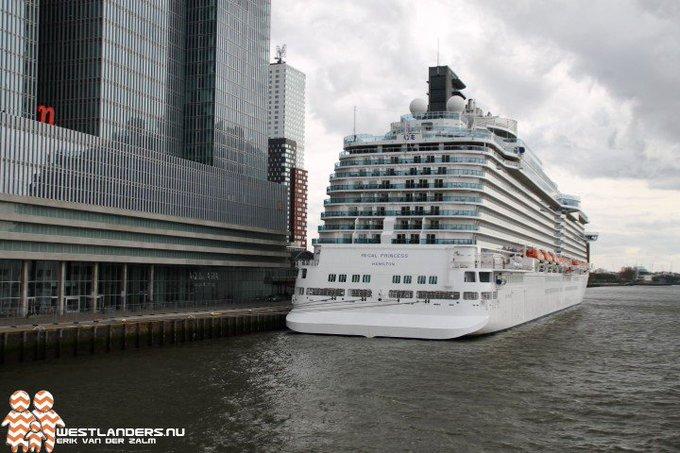 Cruiseschip Regal Princess bezocht Rotterdam https://t.co/4Tlv5G1Lsi https://t.co/mIyw7J7qrL