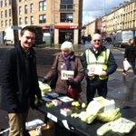 Good reception on Argylle Street for @AngusCMillar and @SandraWhiteSNP #bothvotessnp #activesnp @SNPKelvin https://t.co/uV4s5zavmr