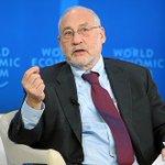 """Premio Nobel de Economía pidió acabar con las AFP chilenas: """"Sólo gana el sector financiero"""" https://t.co/B0N4aFCwiM https://t.co/rojDnbAwoK"""