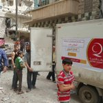 #قطر_الخيرية أول جمعية قطرية وصلت لداخل حلب جزاكم الله خيراً يا أهل قطر على  تبرعاتكم لنجدة أهلنا في حلب #أغيثوا_حلب https://t.co/G854yeSmaI