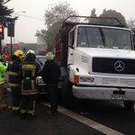 Al menos dos lesionadas en colisión de camión con vehículo menor Caupolicán/Aldunate #Temuco @biobio https://t.co/qe3ahoDM2T