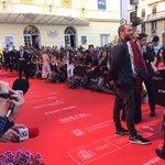 Atasco en la alfombra roja del #19FestivalMalaga https://t.co/Q71LC61EXy