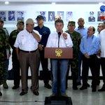 "#ENVIVO: @JuanManSantos ofrece 1.000 millones de pesos por alias ""Arturo"" o ""Pin Pon"" https://t.co/VJBkcVdXGb https://t.co/6Sp4M5nzDV"