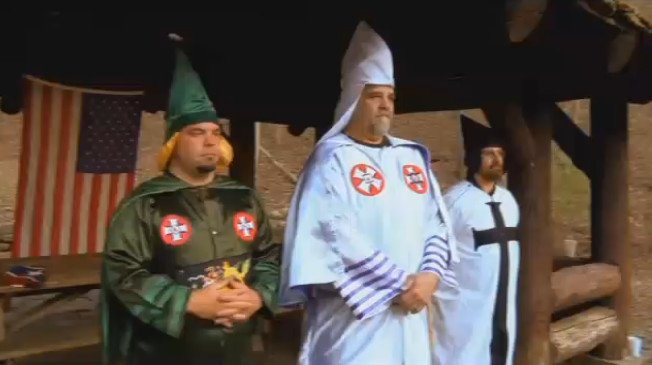 Virginia KKK leader endorses Donald Trump: 'What he believes in, we believe in' (VIDEO) https://t.co/fQGQgbeyuV