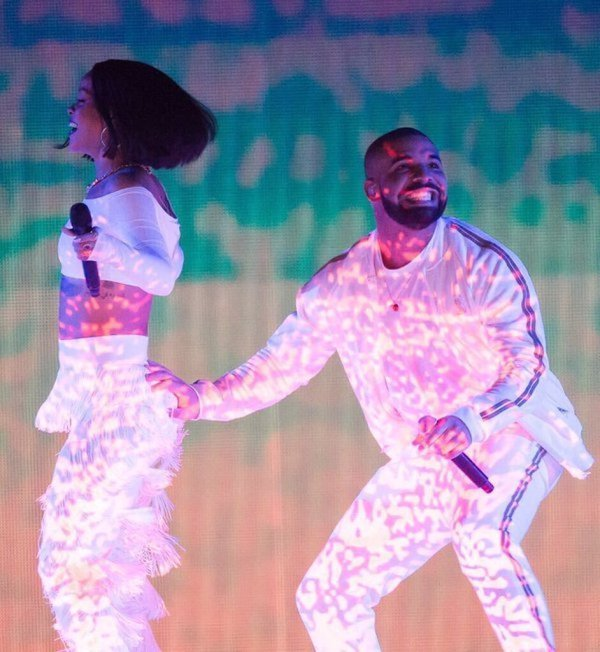 I just wanna be as happy as drake in this picture
