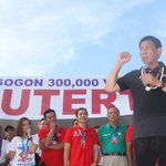 Duterte: Philippines in jeopardy if Binay, Roxas elected president https://t.co/dFz0DgECmV #PHVote https://t.co/OfmKpt7U6y