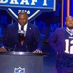 Kevin Faulk tells @kguregian today that Tom Brady thanked him for #NFLdraft jersey gesture https://t.co/ppSbR9tnK0 https://t.co/YveFVq0AwH