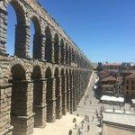 Los romanos sabían lo que se hacían... #Segovia https://t.co/d9gr03Jig4