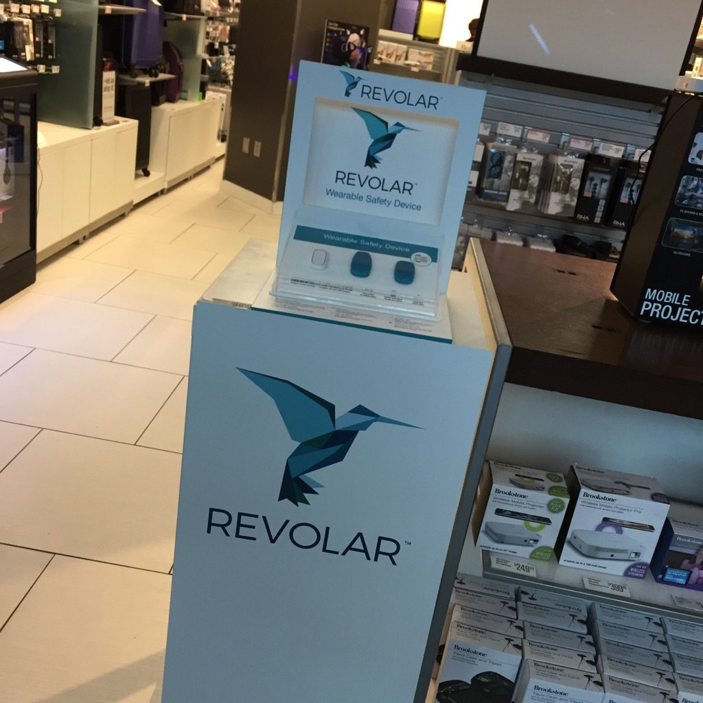 Sighting of @Revolar in the wild at DIA. cc @bfeld @sether https://t.co/rMe3GyoKy1