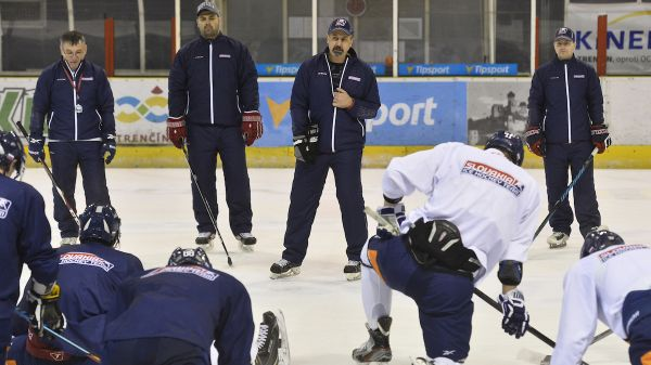 Six #hclovan players are in final #TeamSlovakia squad for @IIHFHockey World Champs! #Congratulation https://t.co/5IzyrlluLX