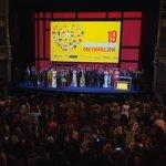Todos los premiados del #19FestivalMalaga suben al escenario para la foto de familia que cierra el certamen https://t.co/iFsTJGpVqD